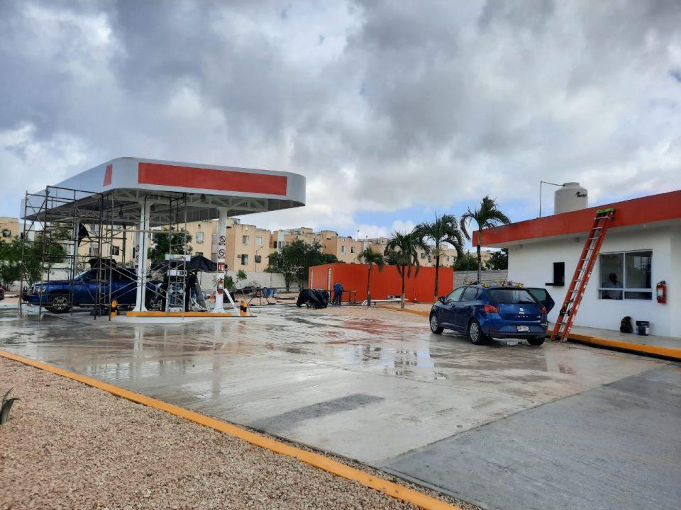 """Abre y construye Gas Tomza, ilegales """"bombas de tiempo"""" en Cancún. - Sin  Reserva por Víctor Flores"""